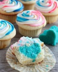 Gender reveal cupcake